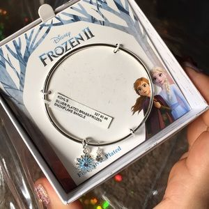 Frozen II silver plated bangle NWT